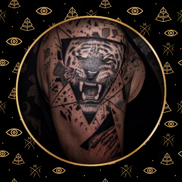 Tigre realistica tattoo fatto da MIky INk Tattoo